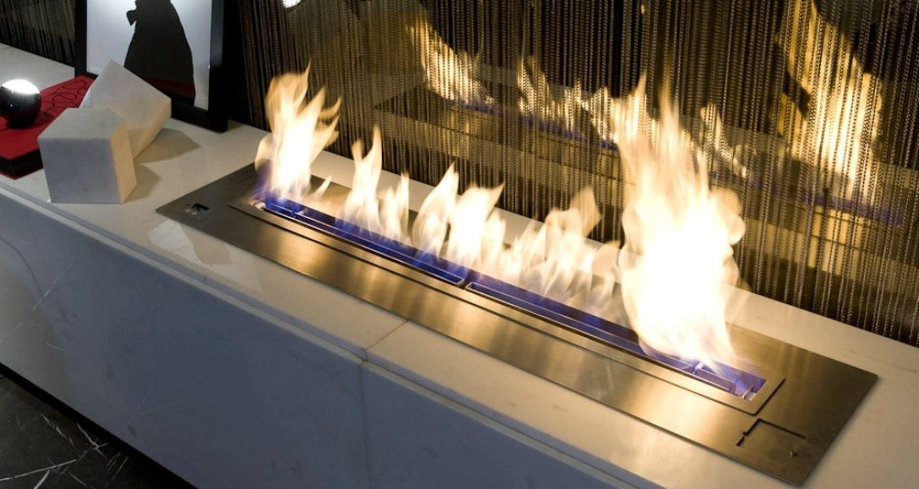 Pejs med flammer