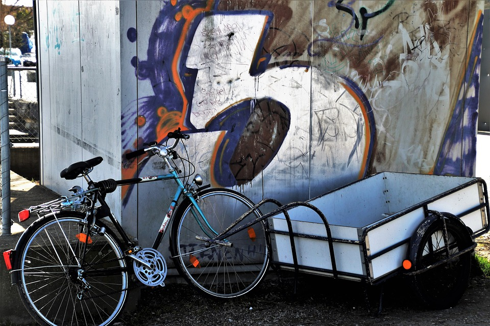 cykel ved graffiti